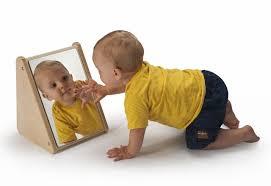 بازی با آیینه کودک رایان