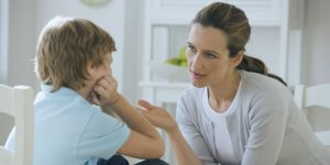 علاقه با ارتباط با بزرگترها- تقلید کودکان از بزرگترها
